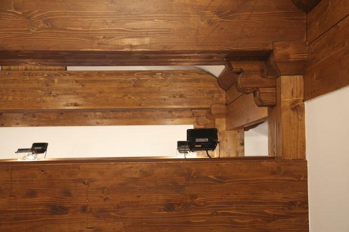 벽장의 구조가구 맞춤과 조명기구